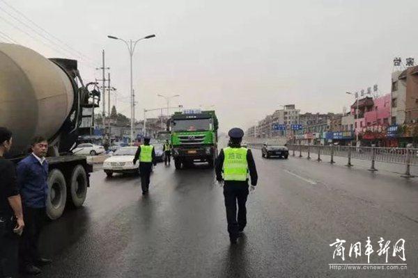 台州:禁止超限超载车辆驶入高速公路