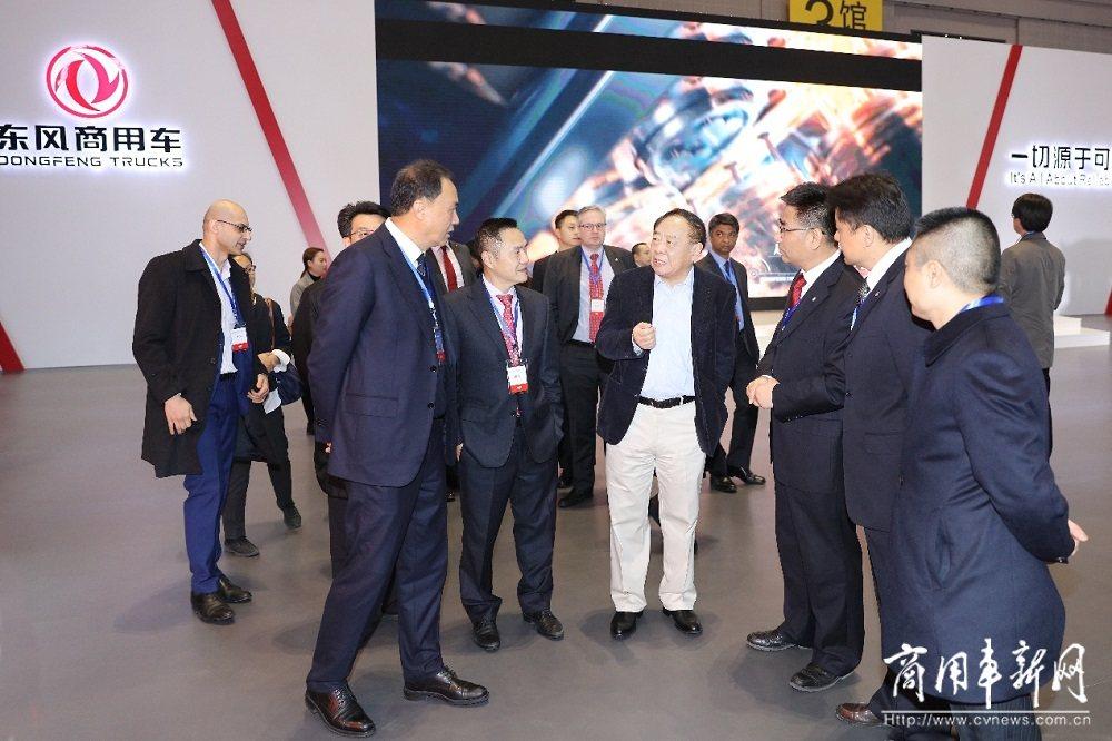 东风商用车参加2019中国国际重型卡车交易会