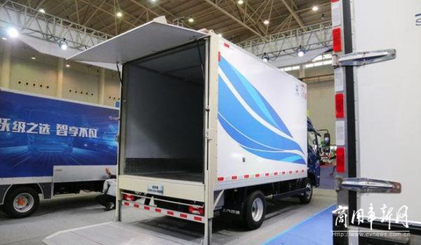 两轴货车限载新消息 限重放宽至18吨