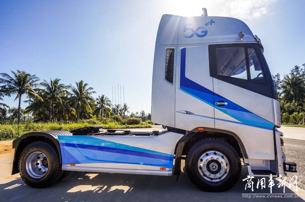 上汽红岩第七代重卡概念车C位出道 赋予自动驾驶更多可能