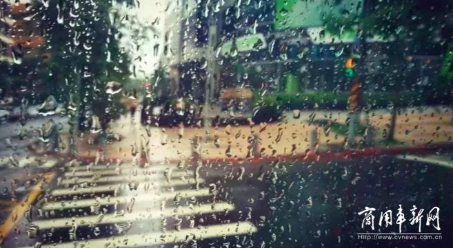 网友点赞海格电子后视镜!梅雨季出行好帮手来咯!
