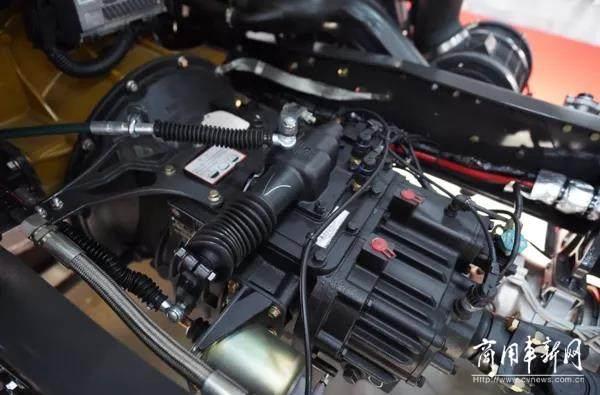 玉柴国六发动机+法士特8挡,这款两轴乘龙M3凭实力出众