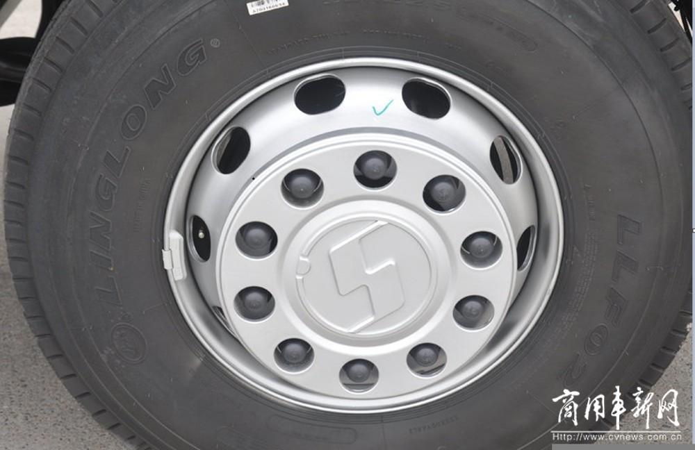 陕汽重卡   常在路上跑 胎压知多少