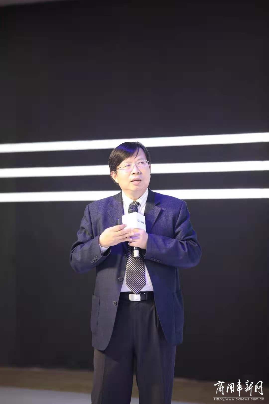 广州车展|J6L领航版2.0载货+超低排放柴油机,一汽解放新品双发、精彩亮相