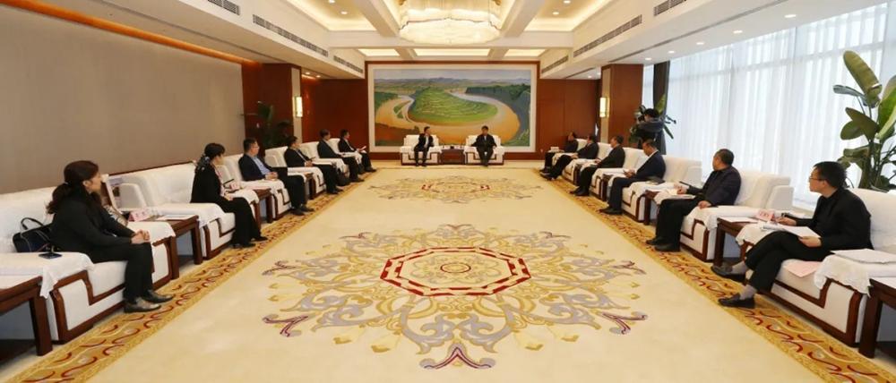 法士特集团与延长石油集团签署战略合作框架协议