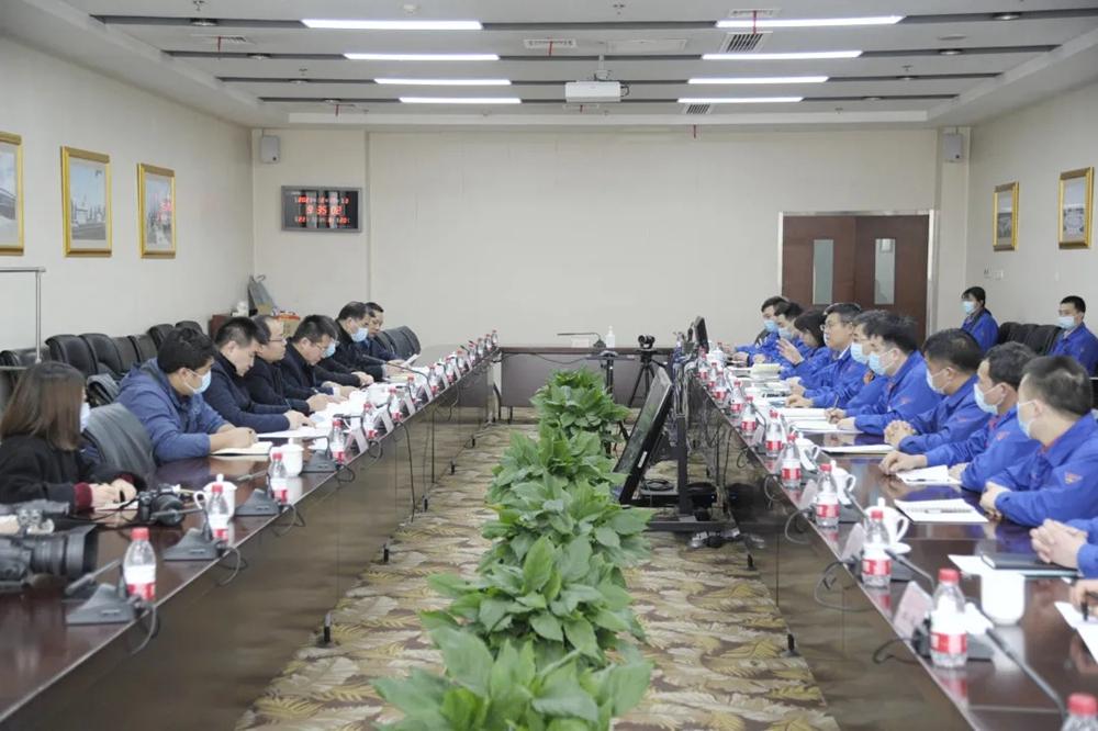 陕西省人社厅领导慰问法士特一线员工