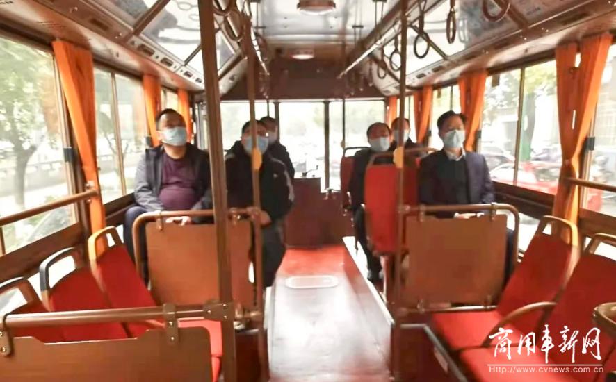 添彩城市魅力 服务百姓民生 银隆仿古铛铛车融入江西萍乡