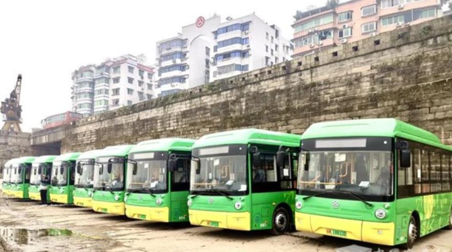 春装上新!银隆新能源微公交再入山城重庆