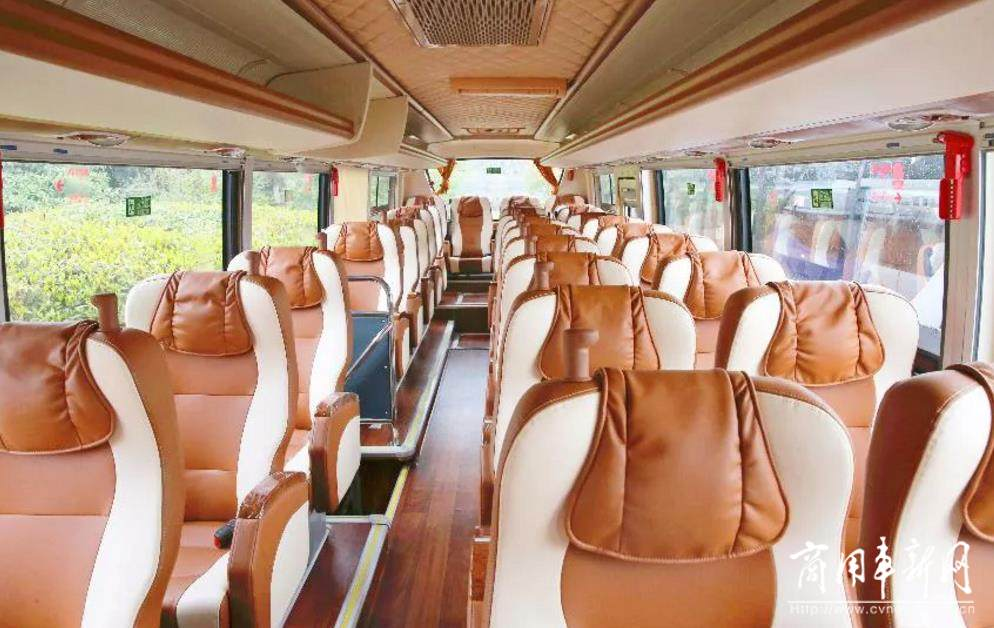 坐海格客车 与泸州春秋旅汽纳溪分公司遍览最美四月天