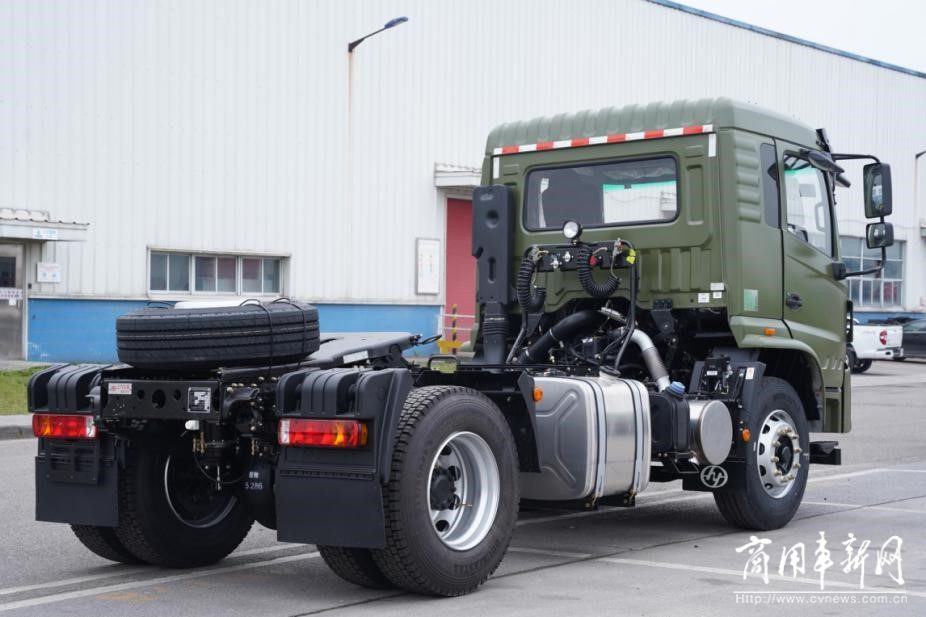 港口牵引车的基本修养是什么?操控好、出勤高、抗腐蚀