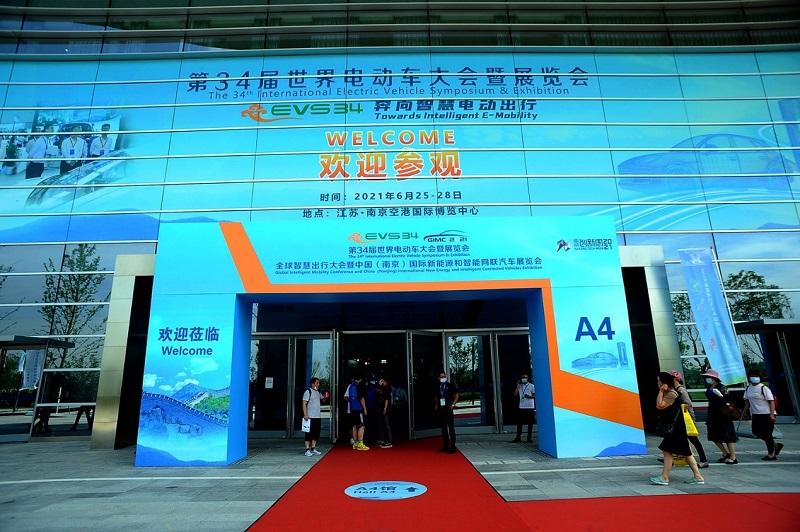 """为""""碳达峰、碳中和""""加速 东风商用车可靠的新能源商品亮相第34届世界电动车大会"""