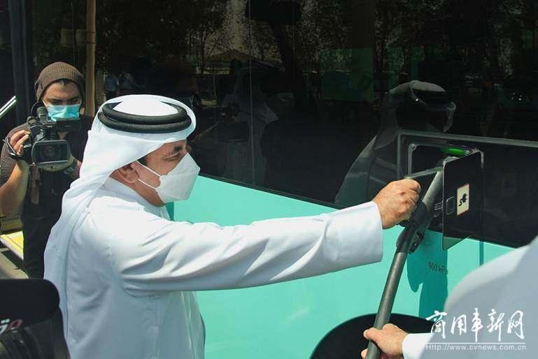 首批中国造卡塔尔世界杯专用电动客车亮相多哈