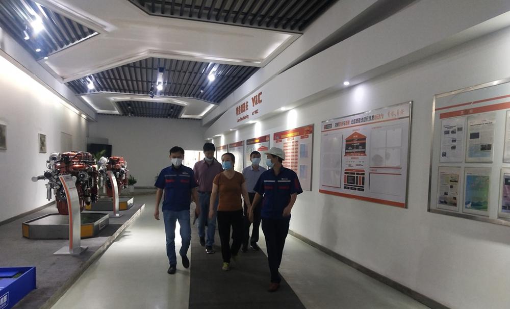 """芜湖市总工会走进玉柴联合动力,给一线员工""""送清凉"""""""