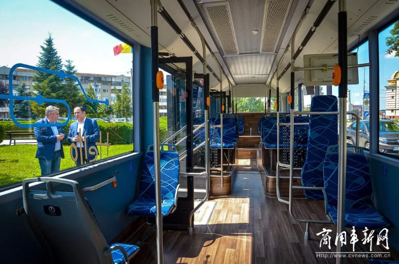 高颜值获赞!亚星X9-City EV12米纯电公交车驶入欧盟