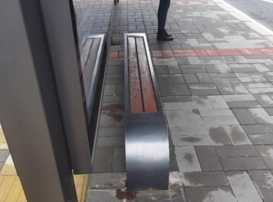 呼吁有果!郑州多路段公交站牌增设便民座椅